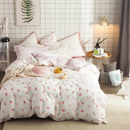 $enCountryForm.capitalKeyWord Canada - Cute Strawberry Duvet Cover Set 100% Coon Sweet Stripes Bed Sheet Pillow Case Queen Size Bed Linens For Girls Cute Bedding Set