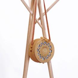 $enCountryForm.capitalKeyWord NZ - Hand woven Circular Rattan Bag Trendy Hollowed hand Woven Storage Bag Fashion Designer Multifunction Bamboo Weaving Handbag