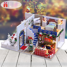 Small House Decoration Australia - DIY Christmas Doll House Miniature Small Wooden Room Box Dollhouse Home Xmas Souvenirs Decoration Building Toy for Children