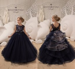 Wholesale Dark Navy Jewel Neck Capped Sleeves Princess Flower Girl Dresses Lace Appliqued Tulle Girls Pageant Gowns For Birthday Weddings