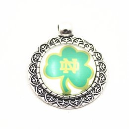 $enCountryForm.capitalKeyWord NZ - 10pcs lot Hot selling NCAA Notre Dame Fighting Irish Sports Team Pendant Dangle Charms For Necklace Bracelet DIY Jewelry Accessory charms