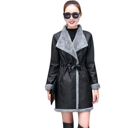 leather lamb women UK - Winter Autumn Faux Leather Hit Color Trench Coats Motorcycle PU Fur Lambs Wool Female Pilot Faux Leather Jackets S-3XL