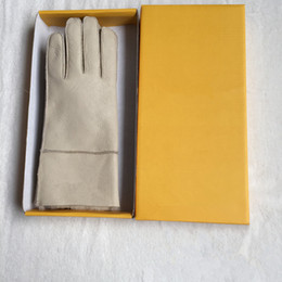 Wholesale High Quality Ladies Fashion Casual men Gloves Leather Thermal Women's wool glove in variety of colors
