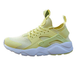 Table Tracks online shopping - Huarache Classical Triple White Black red men women Huaraches Shoes Huaraches sports Sneakers Running spikes track Shoes