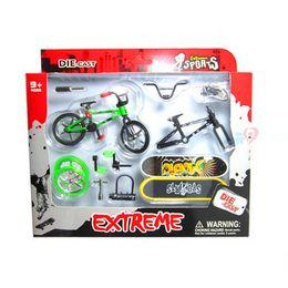$enCountryForm.capitalKeyWord Canada - 4Pcs Professional Flick Trix Finger Bikes Bicycle Bicicleta Fingerboard Fun Toy For Boys With Gadget Random Color Delivery