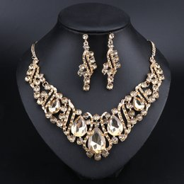 Shop indian wedding decoration accessories uk indian wedding fashion indian jewellery crystal necklace earrings bridal jewelry sets for brides party wedding costume accessories decoration junglespirit Choice Image