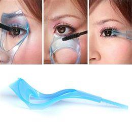Wholesale hot guard resale online – Hot Fashion in Mascara Shield Guard Eyelash Comb Applicator Guide Card Women Makeup Tool