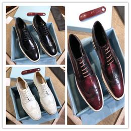 Scarpe eleganti da uomo di marca firmate di lusso Imported leather La  fodera di pelle di pecora Suole di cuoio italiane Scarpe da uomo da uomo in  abito 11bd3308426