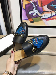 Shoes Metal Print Australia - xiuchun852 Buckle Top Letter embroidery Bee Star Metal Quality Flat shoes Genuine leather Woman Graffiti Printing Casual slippers 35-42 With