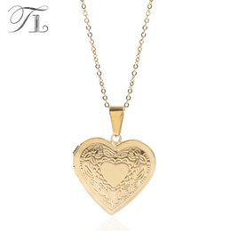 $enCountryForm.capitalKeyWord Australia - TL Photo Frame Necklace Golden Heart Shape Stainless Steel Pendant Necklaces Solid Big Gold Love Necklace Fashion Luxury Jewelry