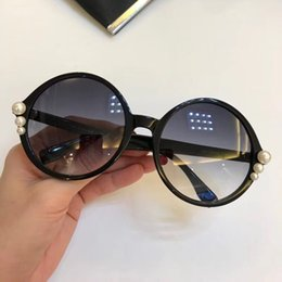 Discount blue mirrored designer sunglasses - Luxury 0298 Sunglasses For Women Designer Charming With Pearl Woman Fashion Round Sunglasses Top Quality UV Protection W