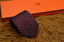 Skinny tie paiSley online shopping - Men s High Quality Casual Leisure Necktie Geometric design pattern Neckwear Silk Skinny new with box L65