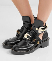 $enCountryForm.capitalKeyWord UK - Kendall jenner Style cut-out leather ankle boots buckles hardware boot punk shoes classic Biker boots round toe motorcycle boots