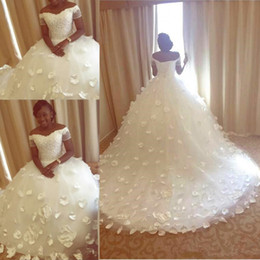 Plus Size African Nigerian Wedding Dresses 2018 Luxury Pearls Beaded 3D Floral Butterfly Off Shoulder Princess Garden Wedding Gown