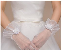 White Wrist Flower Australia - Bridal Gloves New White Lace Large Flower Short All-Korean Korean Wedding Accessories Gloves Marriage Match
