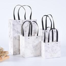 0ad073387 10 Unids / lote Cartón Blanco bolsa de papel portátil universal bolsa de  papel de mármol de encargo Bolsa cuadrada de alta calidad del regalo