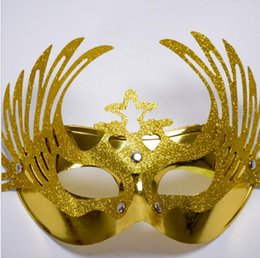 2018 peacock ball 2017 New Masquerade Birthday Party Ginger Peacock Girls Mask Half-face Hollow Gold Ball Dance Show Flower Eagle Plating Mask discount peacock ball