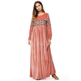 0d26eb917 Plus size abaya para as mulheres de Manga Longa de Cintura Alta Bordado  Patchwork Rosa de Veludo Ocasional Solto Muçulmano Maxi dress 2018