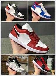 458f6bc9e614 Con Box 1 Low OG Chicago Hyper Royal hombres mujeres zapatos de baloncesto  1s plata blanco rojo para hombre damas zapatillas deportivas tamaño 5.5-11