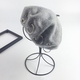 Wholesale Iron Hoop French Artist Beanie Hat Autumn Spring Winter Punk Beret Hat New Solid Women Korean Style British Ring Cape Beret