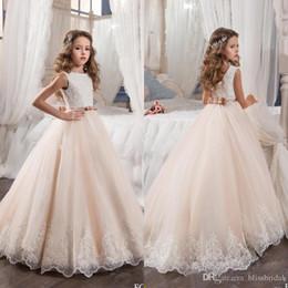 Custom Made Çiçek Kız Elbise Düğün için Allık Pembe Prenses Tutu Payetli Aplike Dantel Yay 2018 Vintage Çocuk İlk Communion Elbise indirimde