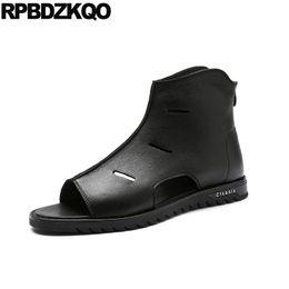 84cdd6fe9c4054 Sommer Casual Stiefel Designer Schuhe Männer Hohe Qualität Offene spitze Echtem  Leder Runway Schwarz Japanischen Sandalen Luxus Italienisch 2018