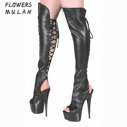 c99751ab3 2018 Inverno Novo Joelho Alta Roma Botas Sapatos Mulheres Sexy Peep Toe 15  cm Plataforma Botas Mulher de Volta Cruz Amarrado Night Club Bottes Senhora