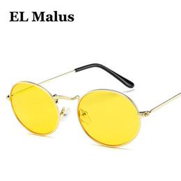 9e9cebc3ccf7b  EL Malus  Bonito Sexy Retro Oval Armação De Metal Óculos De Sol Das  Mulheres Famosas Marca Ouro Preto Do Vintage Óculos de Sol Vermelho Lente  Amarela ...