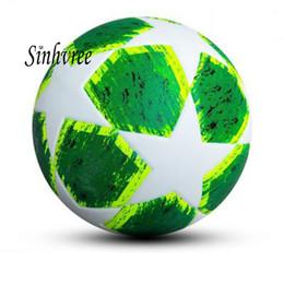 2018 Campeón de la Liga Europea de campeón de Europa Final balón de PU  tamaño 5 bolas gránulos antideslizantes de fútbol Envío gratuito bola de  alta calidad 1504411a77f50