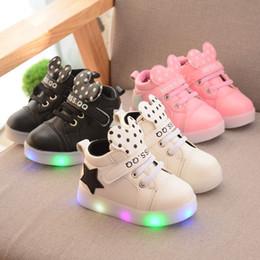 9e9c1129e Venta al por mayor barato niños casuales zapatos para niños pequeños flats  light ups pu zapatillas de deporte de cuero niño niña punto lindo zapatos  para ...