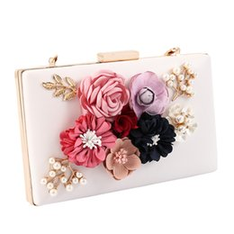 China 2018 New Women Clutch Bag Ladies Black Evening Bags Ladies Royal Blue Day Clutches Purses Female Pink Wedding Bag supplier wedding royal suppliers