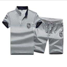Sweat Men Set 2019 New Summer Men Chándal Camiseta de manga corta + Pantalones cortos Conjuntos Sudadera masculina Traje de ropa deportiva de camuflaje en venta