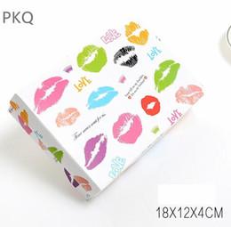 $enCountryForm.capitalKeyWord Australia - Lip print kraft paper gift Cardboard Box 10pcs lot towel Scarf Packaging box Paper Gift with lid carton storage