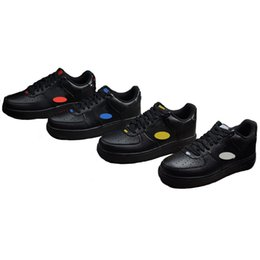 a935f037a87 2018 Classic 1 Low Skateboarding Shoes Diseñador de moda Blanco Rojo Azul  Amarillo Zapatillas deportivas deportivas