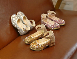 2018 Summer new sequin Children Sandals Fashion princess Girl Shoes kids Wedge Sandals wedding Girls shoes kid shoes Girls Footwear from korean half slip suppliers