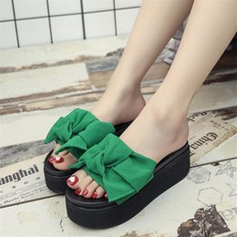 Green platform flip flops online shopping - With Big Bowtie Slippers For Summer Women Anti Skid Beach Flip Flops Thicken Bottom Platform Sandals New Arrival zs BB