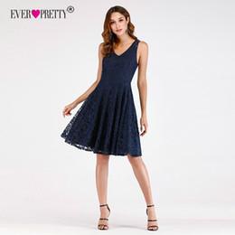 4e6fd530b Vestidos cortos de dama de honor 2018 Ever Pretty EP03065NB Recién llegado  de una línea de cuello en V vestidos de fiesta de encaje azul marino para  la boda ...
