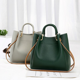 Chinese  New Green Small bucket bag simple shoulder bag for women 2019 messenger bags ladies casual PU leather handbag purse with female manufacturers