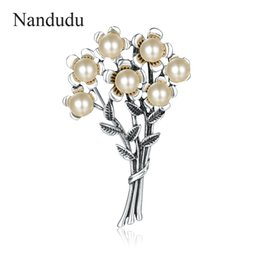 Antique Flower Brooch NZ - Nandudu Vintage Flower Brooches For Women Scarf Simulated Pearls Antique Silver Color Hijab Pin Bijuterias Jewelry Gift X269