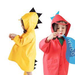 2284da4f224009 Netter im Freien wasserdichter Regenmantel kleiner  Dinosaurier-Polyester-Baby-Regen-Mantel-Kinder windundurchlässiger Poncho- Jungen-Mädchen-Regen-Abnutzung