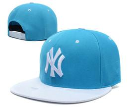 6de37c1e3f99e Nueva gorra de béisbol NY Bordado Letra Sombreros para el sol Ajustable Snapback  Hip Hop Sombrero de verano Verano Hombres Mujeres Blanco Negro Azul marino  ...