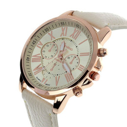 Chinese  Fashion Gift watches Unisex Leather Geneva Watch Roman Numerals Dress Watches For Women Mens Analog Quartz Wristwatches manufacturers
