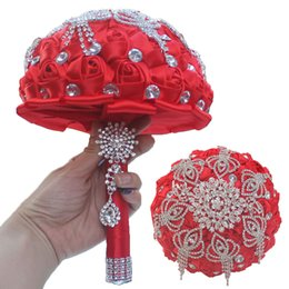 18CM Вино красного цвета Шелковая роза Свадебный цветок Невеста Букет Роскошный хрустальный брошь Свадебный холдинг Цветочный горный хрусталь Tassel Ribbon Свадебный букет