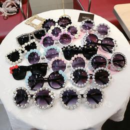 sunglasses flower design 2019 - Beach women sunglasses Wholesale Fashion Party Sun Glasses Mix Design Retro Rhinestone Handmade Flower With Pearl cheap