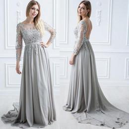 b79c5a35cfca9 Maniche lunghe backless argento madre della sposa abito in pizzo in chiffon  trasparente collo abito da sposa ospite speciale occasione speciale