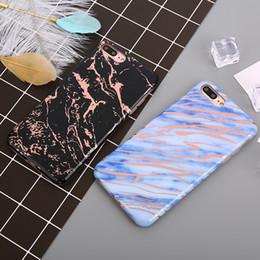 Cajas de teléfono de chapado suave para el caso del iPhone 8 Tapa de mármol láser brillante para el iPhone 8 Plus Caso de capa de protección de TPU brillante Coque