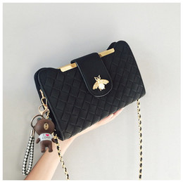 $enCountryForm.capitalKeyWord Australia - New zipper bee chain Knitting women designer shoulder bags lady messenger crossbody purses female fashion evening casual no912