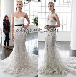 $enCountryForm.capitalKeyWord UK - Marchesa 2018 Sexy 3D Floral Applique Mermaid Wedding Dresses with Feather Strapless Sweep Train Fishtail Slim Garden Holiday Wedding Gowns