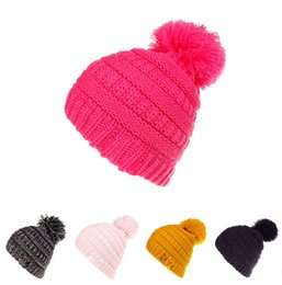 2400e8775f2 5Style Trendy Hats Winter Knitted Fur Poms Beanie Label Fedora Luxury Cable  Slouchy Skull Caps Fashion Leisure Beanie Outdoor Hats TC0919