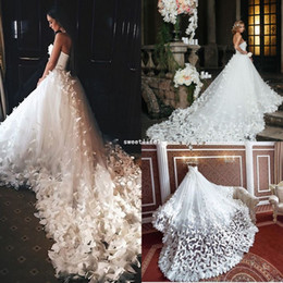 Wholesale Speranza Couture Princess Wedding Dresses with Flowers And Butterflies in Cathedral Train Arabic Middle East Church Garden Wedding Gown